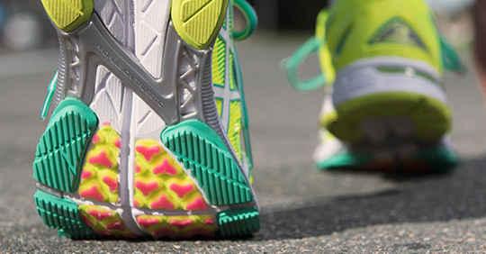 womens asics running shoes for overpronation