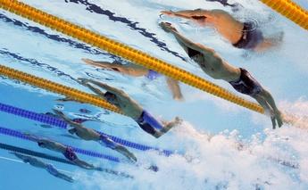 速く泳ぐには「水平姿勢」を徹底すべし!競泳水着の開発者が語るトップスイマーのこだわり