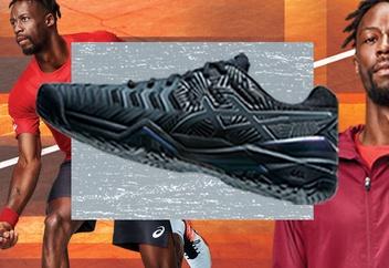 Black and Silver Men's Tennis Shoe.