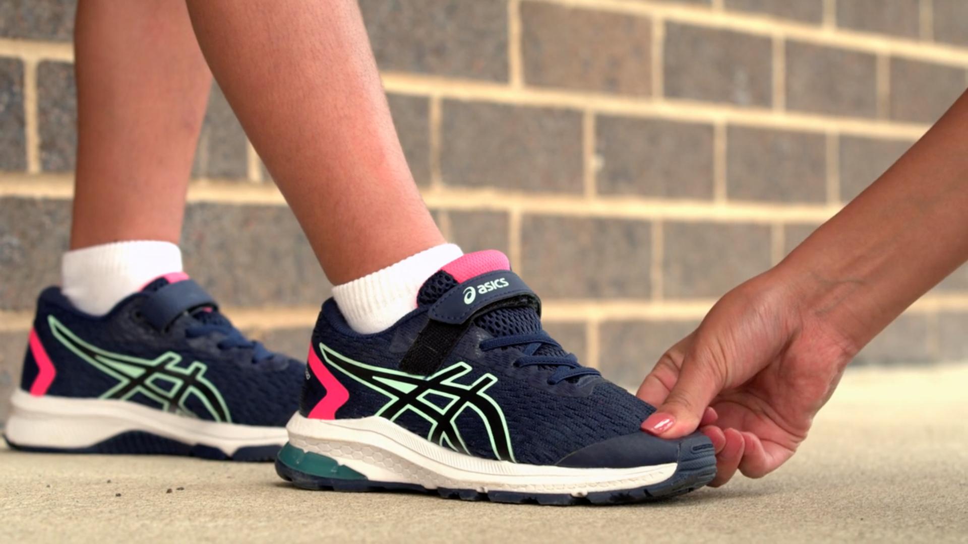 Fitting Shoe Size | Kids Shoes | ASICS