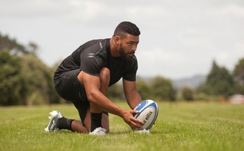 How Richie Mo'unga perfects his kicking game