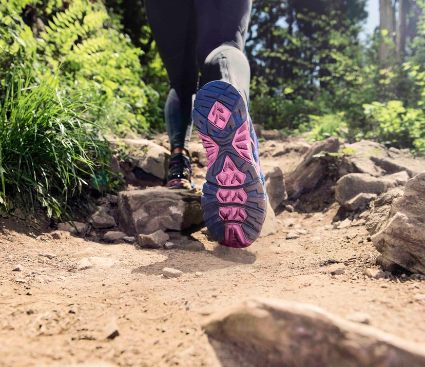 BENEFITS OF TRAIL RUNNING SHOES