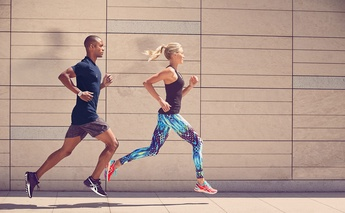 YOUR CHECKLIST TO MARATHON RUNNING GEAR