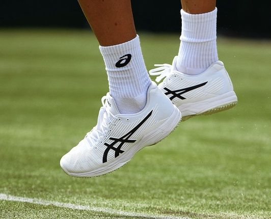tennis-shop-gear-shoes