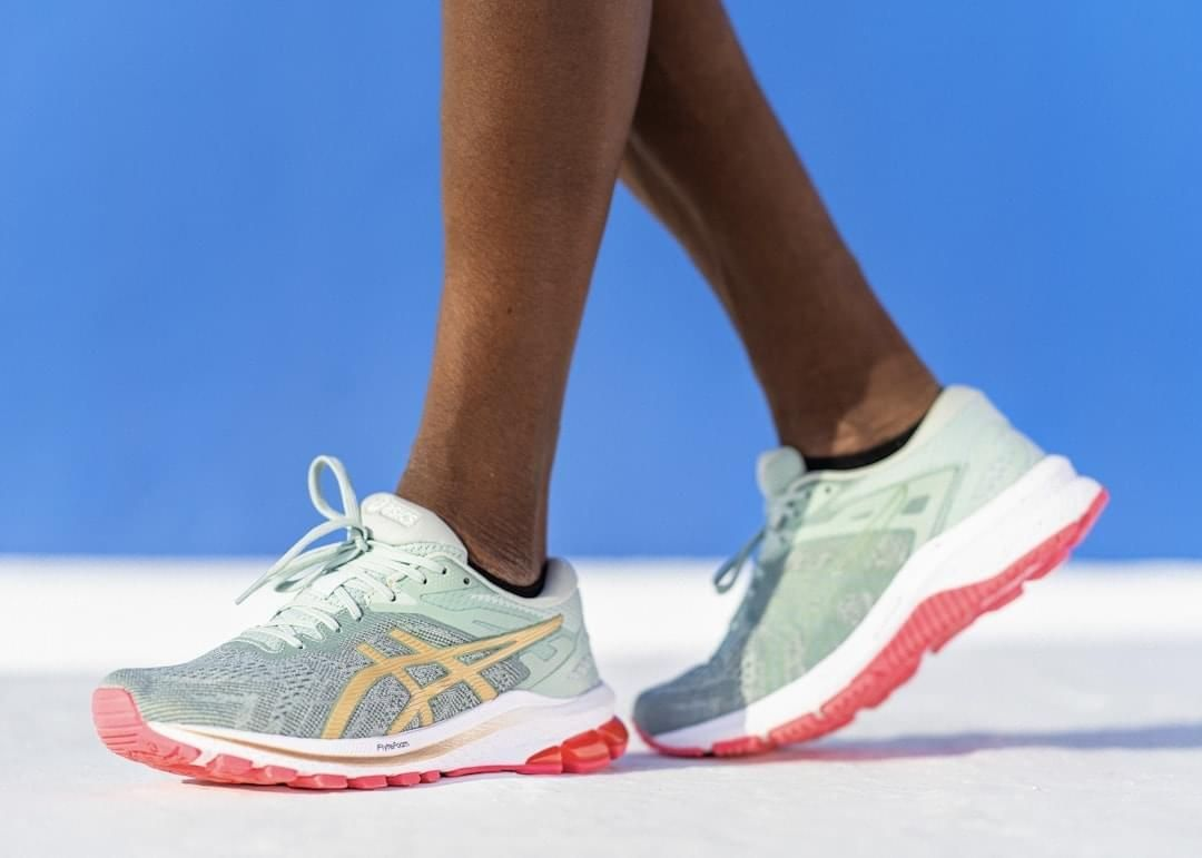 ASICS   New SAKURA COLLECTION of Footwear and Apparel