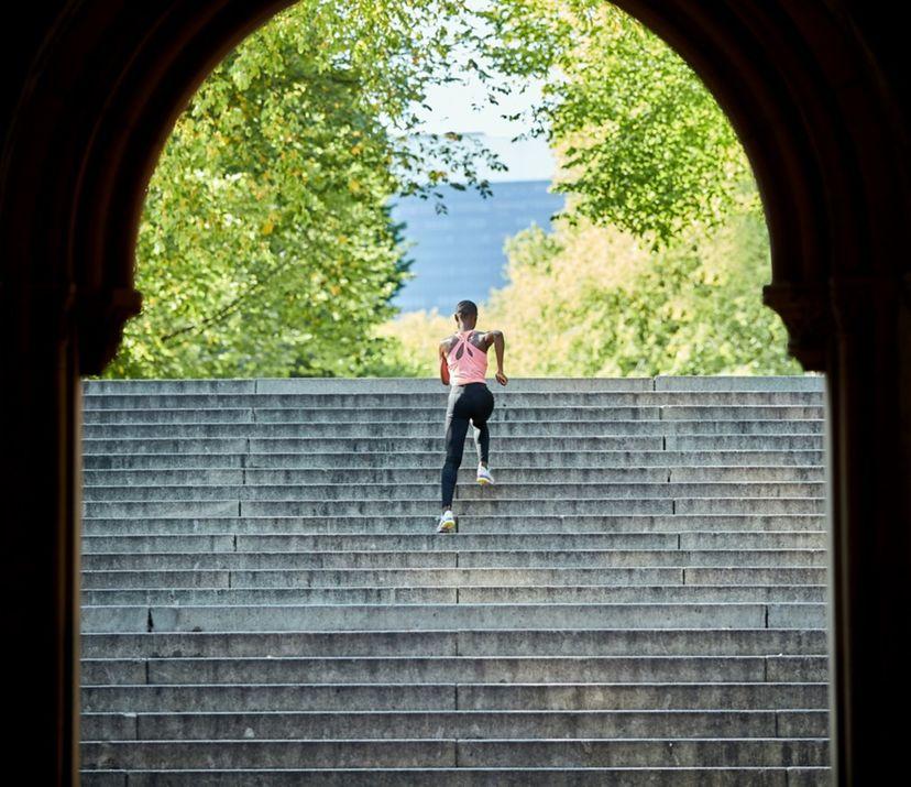 running stairs in winter