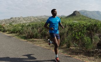 how to avoid hip pain from running